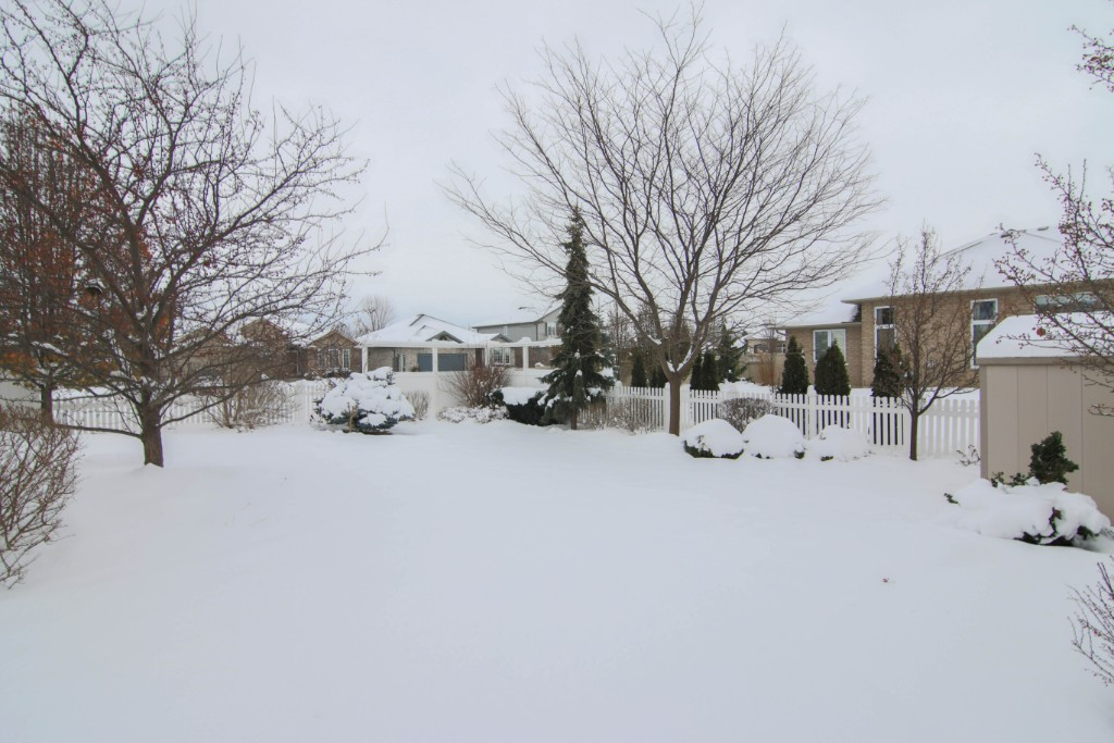 222 Pebble Beach Crt, Sarnia, Ontario